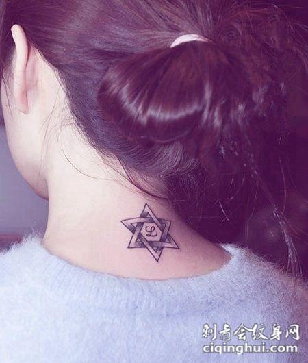 颈部纹身图案大全女生图片