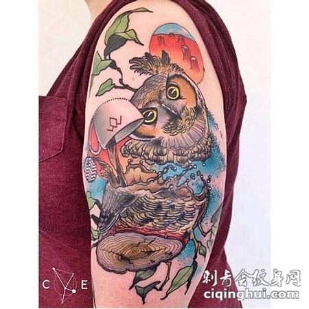 school彩色猫头鹰纹身图案