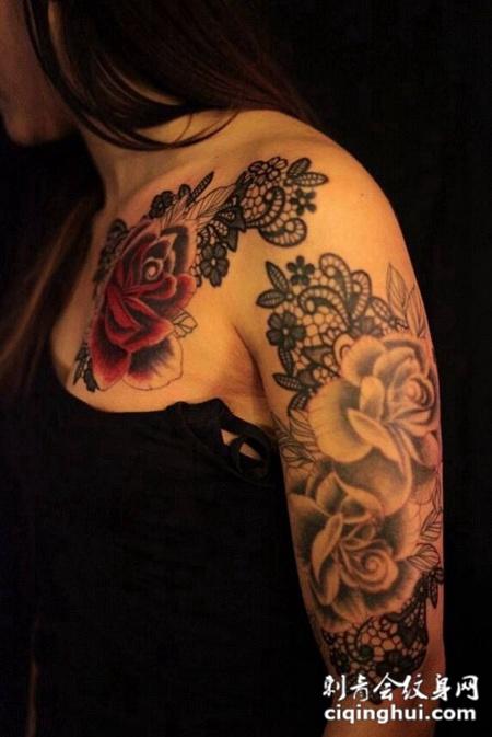 性感美女的玫瑰花臂纹身图案图片