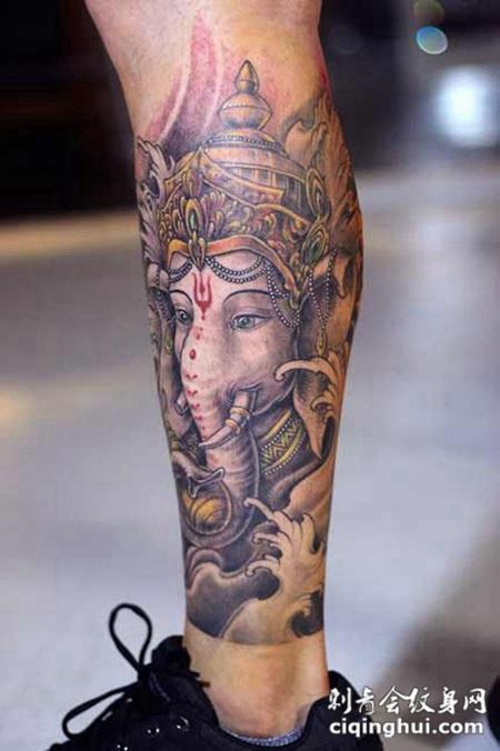 小腿上传统包腿象神纹身图片