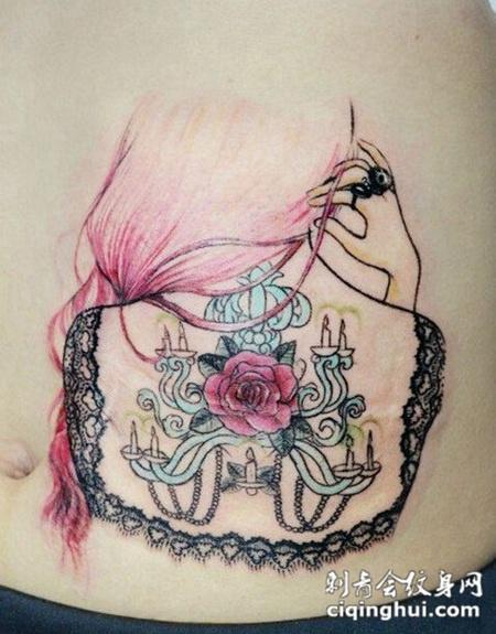 腹部唯美女孩背影纹身图案