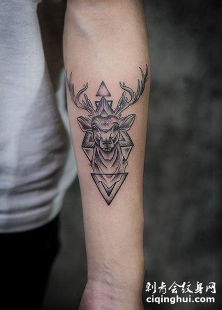 手臂个性几何麋鹿纹身图案图片