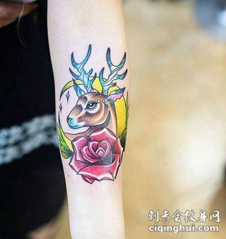 手臂玫瑰花与鹿纹身图案图片
