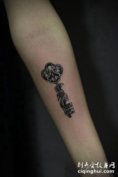 纹身图案 实物 钥匙  相似的图片 时间的钥匙,手臂3d石裂风格纹身图案