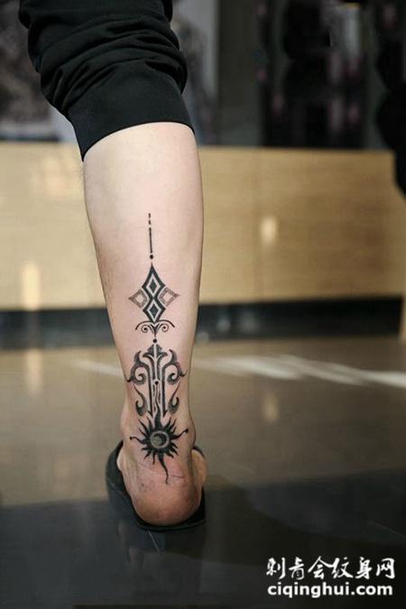 信仰的力量,小腿个性图腾点刺纹身(图片编号:18706)_