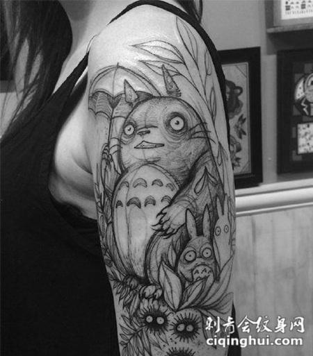 大臂日本卡通人物龙猫纹身图片