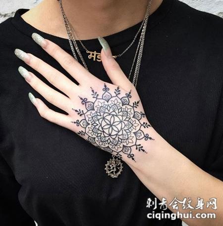 命运之轮,手背梵花图腾个性纹身