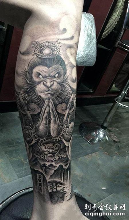 双手合十,腿部斗战神佛纹身图案图片