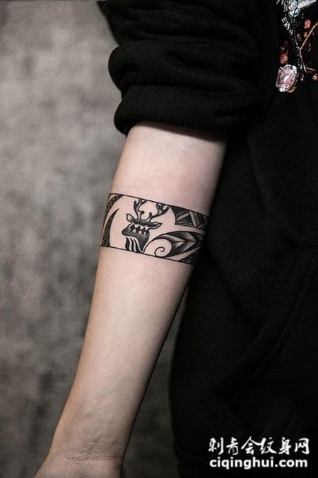 个性鹿图腾臂环纹身图案图片