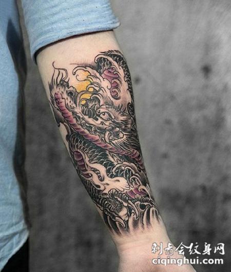 满背霸气恶龙纹身图案或者猛龙出海,满背霸气神龙纹身.