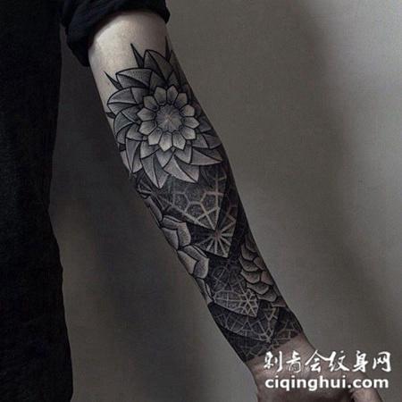 花之信仰,手臂好看的繁花图腾点刺纹身