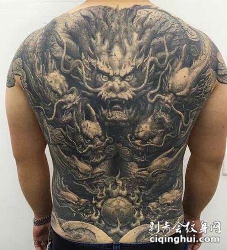 九龙戏珠,满背霸气神龙纹身图案