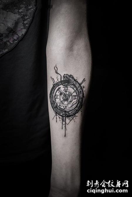 首页 纹身图案 实物 钟表  相似的图片 珍惜时间的可贵,骷髅时钟手臂