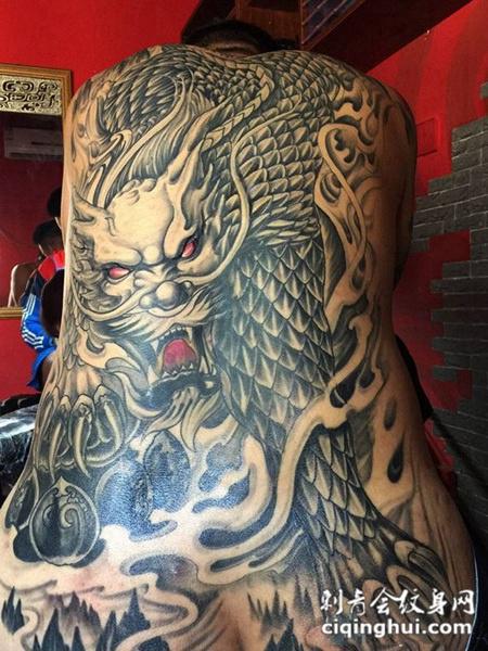 瑞兽咆哮,满背霸气麒麟纹身图案