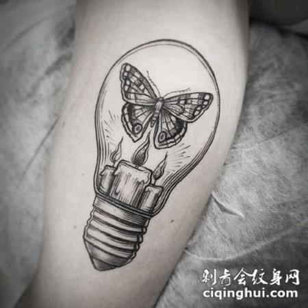 涅槃重生,腿部蝴蝶和灯泡刺青