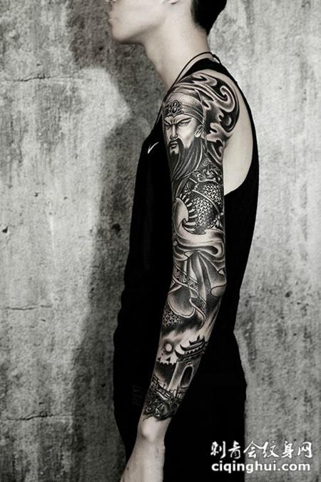 忠肝义胆,手臂关公纹身