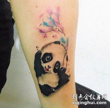 卖萌吉祥物,手臂卡通熊猫可爱纹身