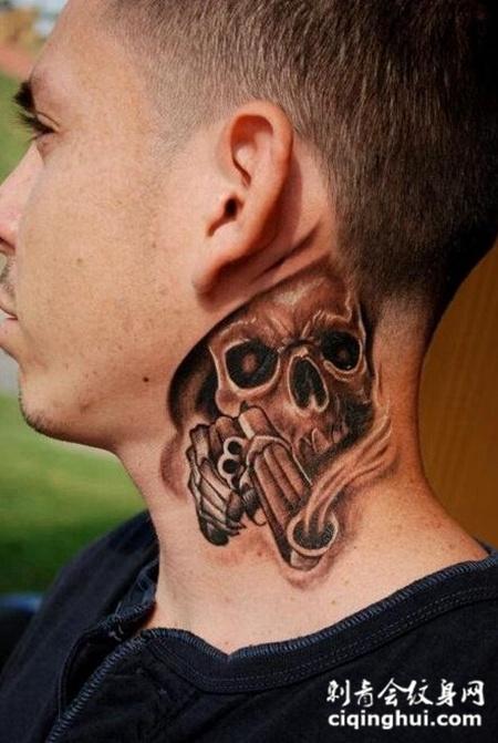 男士脖子上霸气的骷髅纹身