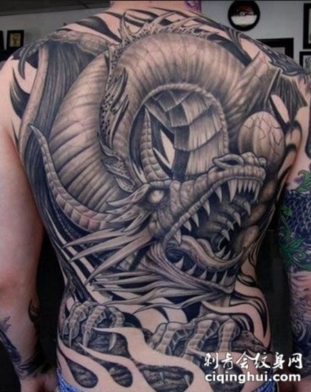 霸气实属罕见的满背神龙纹身图