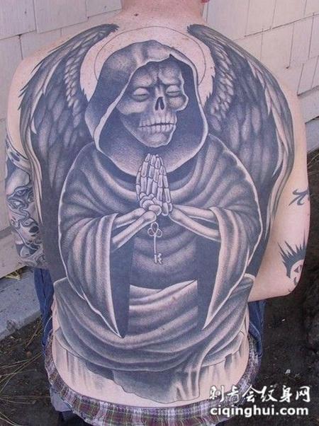 满背骷髅死神纹身