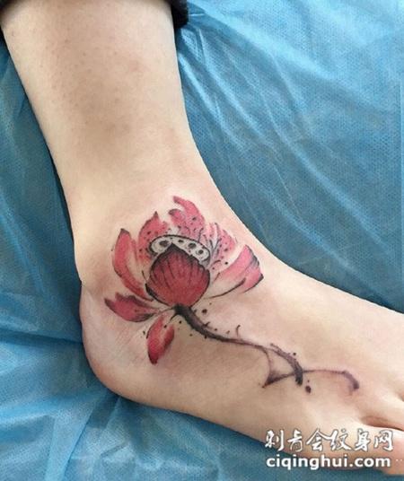 足下生莲,脚背好看的莲花纹身图案