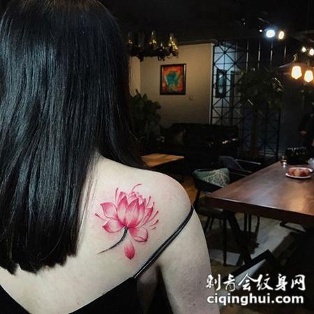 红莲花开,后背红色莲花纹身图案
