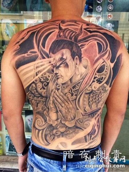 满背二郎神纹身图片尽显霸气