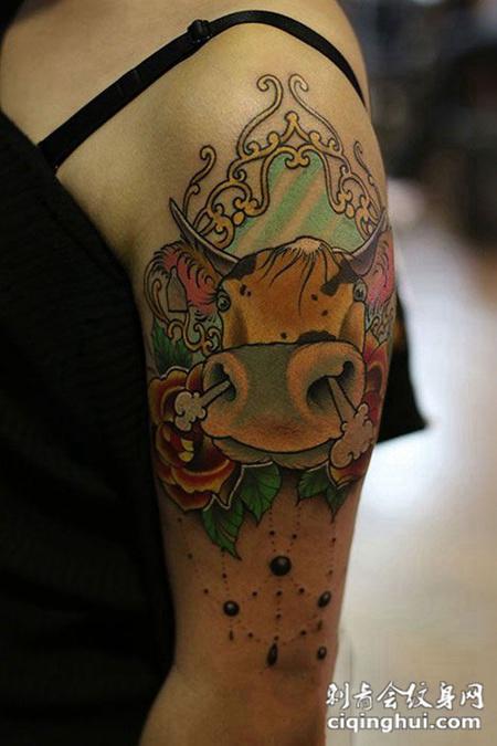 牛气冲天,个性彩绘手臂纹身图案
