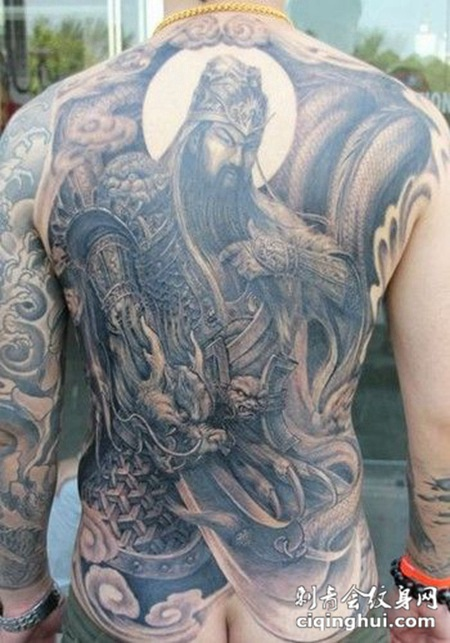 男生满背个性文关公纹身图片大全