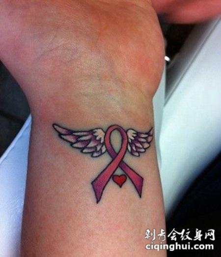女性手腕迷你翅膀纹身图片大全