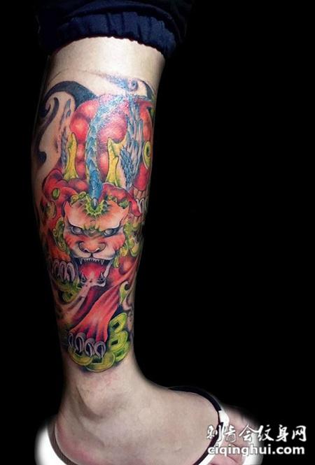 满背招财貔貅彩绘纹身或者霸气的钟馗和貔貅半甲纹身.