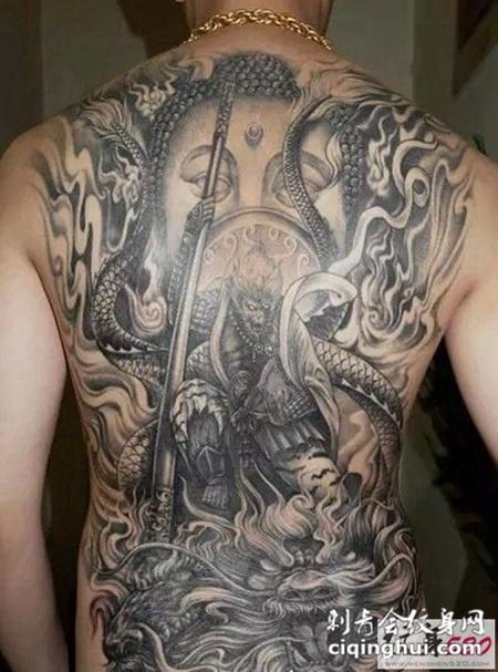 男生后背斗战胜佛纹身图案大全图片