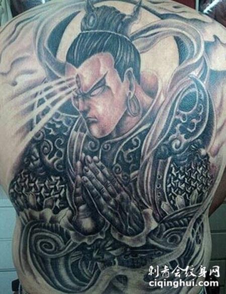 男生满背二郎神纹身图片精选