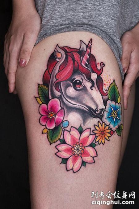 梦中的精灵,大腿独角兽鲜花彩绘纹身