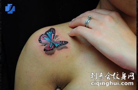 女生后背纹身小图案D蝴蝶刺青