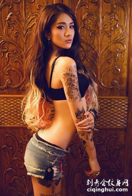 女生后腰性感纹身图案大全