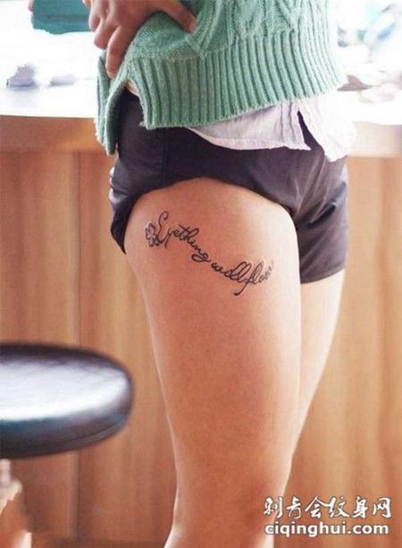 美女腿部纹身唯美图片