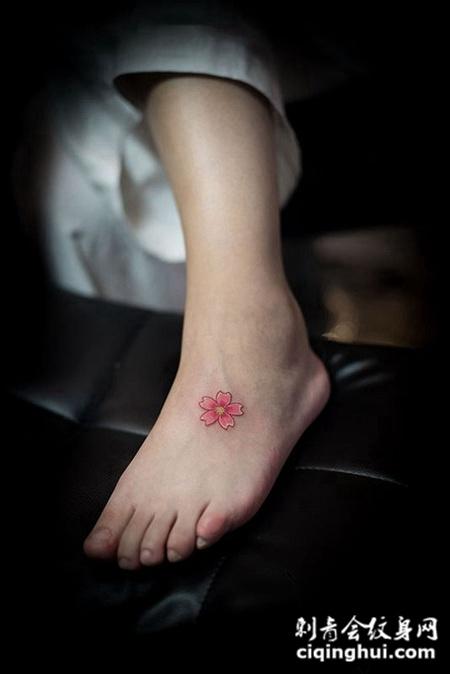 樱花飘落,脚背樱花小清新彩绘纹身图片