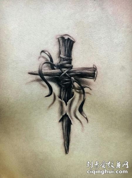 信仰的力量,d十字架个性纹身图案