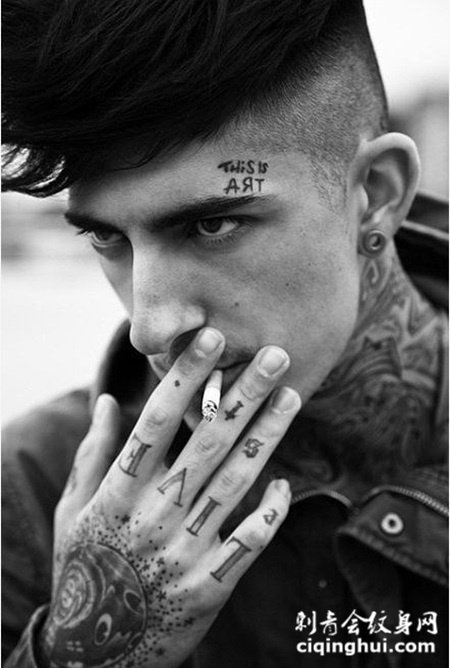 欧美男生手臂纹身图片