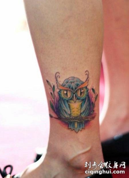 可爱猫头鹰脚踝纹身