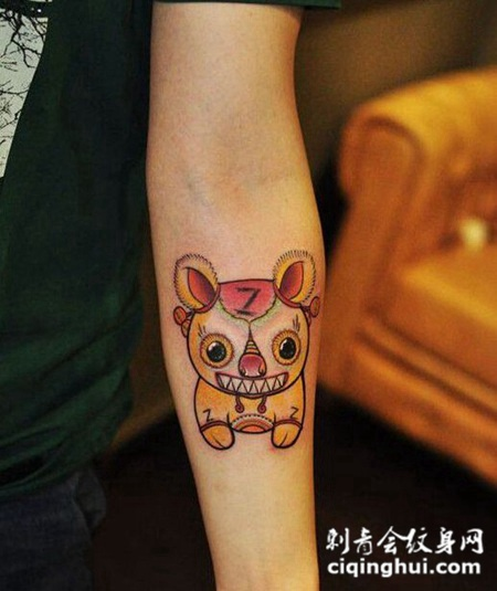 可爱小老虎玩偶手臂纹身