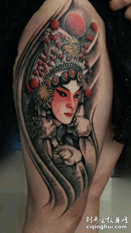 大腿漂亮的花旦纹身图案大全