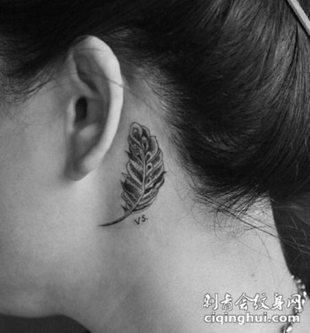 女生纹身耳朵后面图腾分享展示