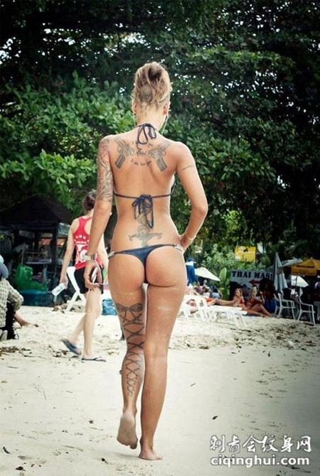 超性感美女大秀时尚纹身图片