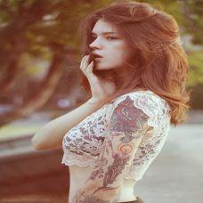 纹身美女个性手臂图片