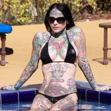 美女全身超性感彩色图腾刺青