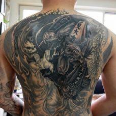 黑白无常纹身背部图片