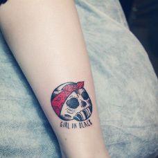 个性的脚部纹身图片男生