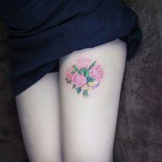 纹身女生花朵图片大全推荐